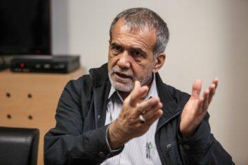 وعده های پزشکیان در جمع فعالان اقتصادی تبریز/تصاویر