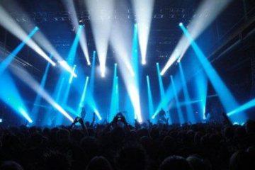 لغو کنسرت خواننده مشهور با فشار افکار عمومی!/تصویر