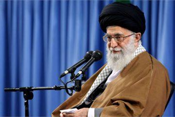 نباید جنبههای سیاسی حج فراموش شود/ پیامهای سیاسی حجِ انقلاب اسلامی را به دنیای اسلام برسانید