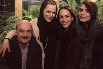 ایرج طهماسب و دخترانش در یک رستوران+ عکس