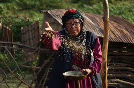 لباس متفاوت بازیگر زن در فیلم تازه اش/ عکس