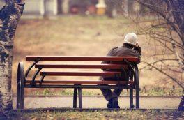 """""""احساس تنهایی"""" چه خطراتی برای سلامتی دارد؟"""