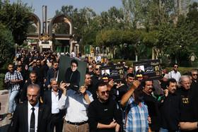 گزارش تصویری از مراسم تشییع حسین عرفانی با حضور مردم و چهره های ماندگار