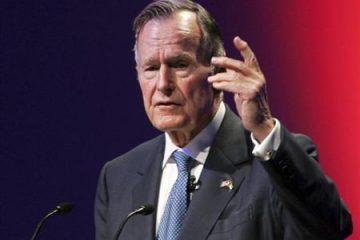 اوباما و ترامپ در مراسم خاکسپاری بوش به هم رسیدند/ تصاویر مراسم