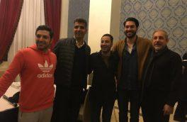 عکس های یادگاری عادل فردوسی پور در کنار هنرمندان تئاتر