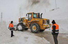 بارش برف راه ۶۰۰ روستای آذربایجان شرقی را بست