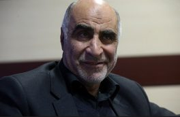 احمدینژاد طرفدار زیادی ندارد و به دنبال جمعآوری ضد انقلاب است