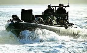 ورود مین زدایان انگلیسی به خلیج فارس